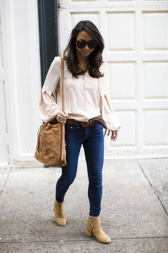 theviewfrom5'2 blogger shoes jeans blouse bag sunglasses fall outfits basket bag ankle boots pink shirt