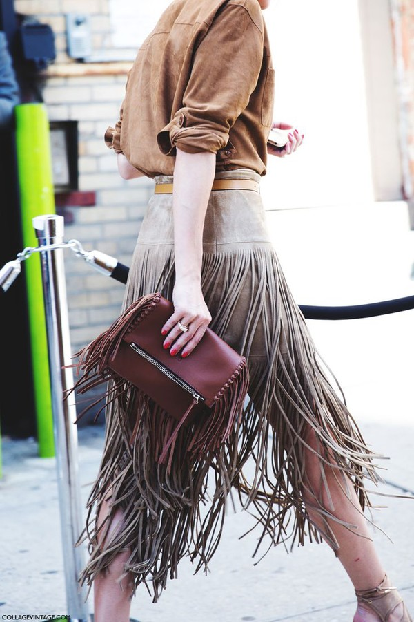irene closet blogger skirt suede skirt winter skirt fall skirt fringes leather pouch suede suede shirt fringe skirt burgundy accessories