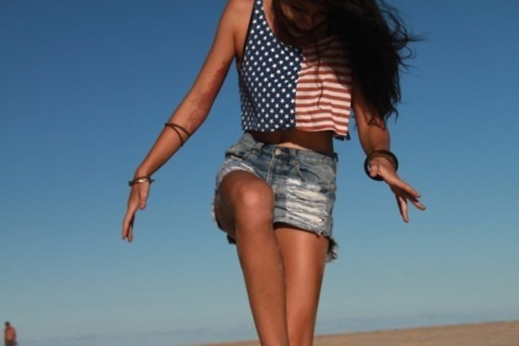 print top shorts red tank top blue tank top white tank top