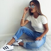 blouse,shirt,jeans,mom jeans,blue jeans,t-shirt,???,pants,white,blue,denim