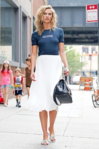 skirt midi skirt karlie kloss sandals top purse pleated skirt slide shoes model off-duty t-shirt shoes metallic slides