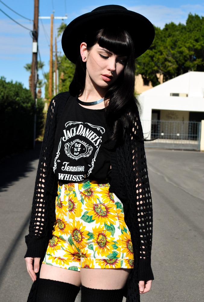 Sameoldchic — high waist sun flower shorts