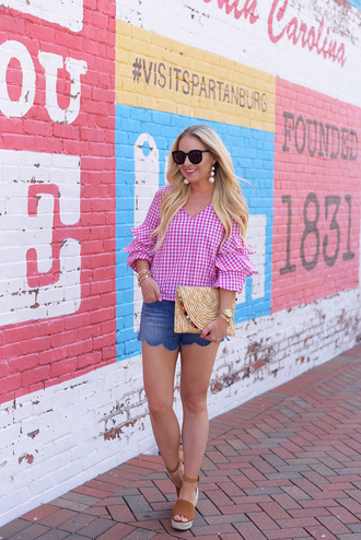 cortinsession blogger top shorts skirt jewels shoes sunglasses bag clutch wedge sandals sandals summer outfits mini shorts