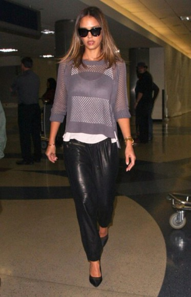 jessica alba shoes sweater