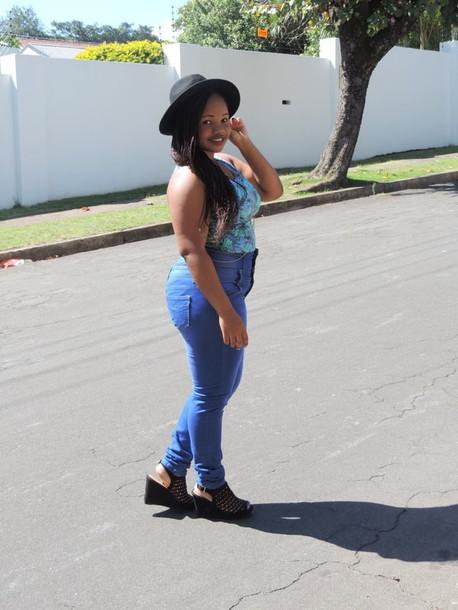 hat blouse