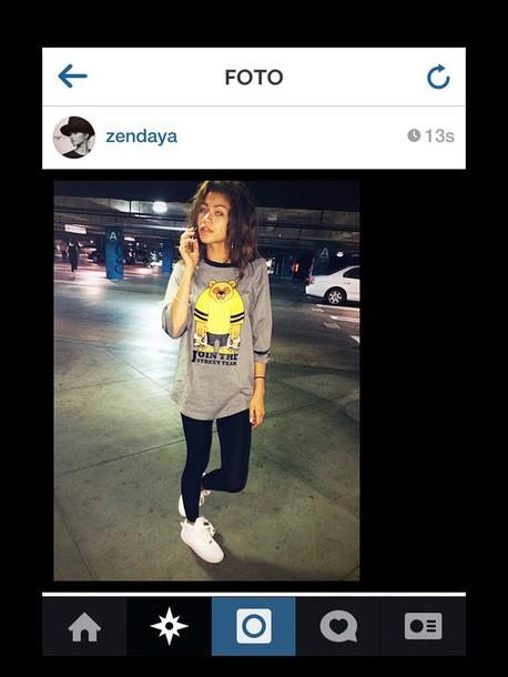 t-shirt zendaya