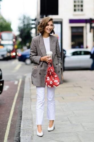le fashion image blogger jacket t-shirt jeans shoes blazer red bag grey jacket white pants spring outfits