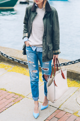 prosecco and plaid blogger jeans bag green jacket ripped jeans beige sweater blue heels white bag