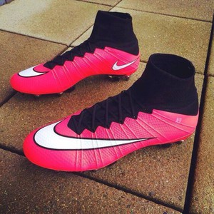 nike girls soccer cleats