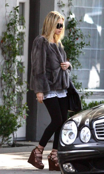 olsen sisters blogger coat leggings fur coat grey coat wedge sandals