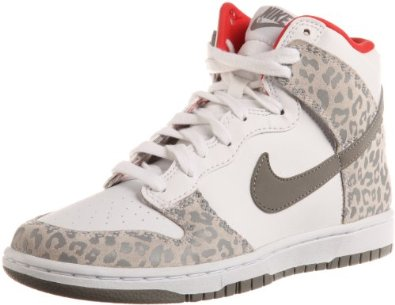 best service fb3bf fcd65 Amazon.com Nike Wmns Dunk High Skinny Leopard - White Medium