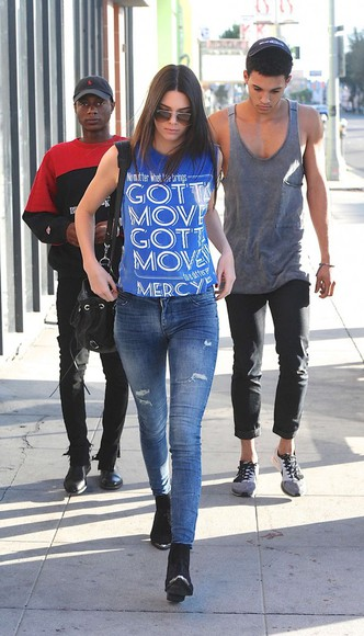 sunglasses bag jeans shoes kendall jenner t-shirt