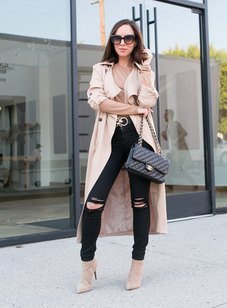 sydne summer's fashion reviews & style tips blogger sweater jacket jeans bag belt jewels shoes trench coat chanel bag ankle boots
