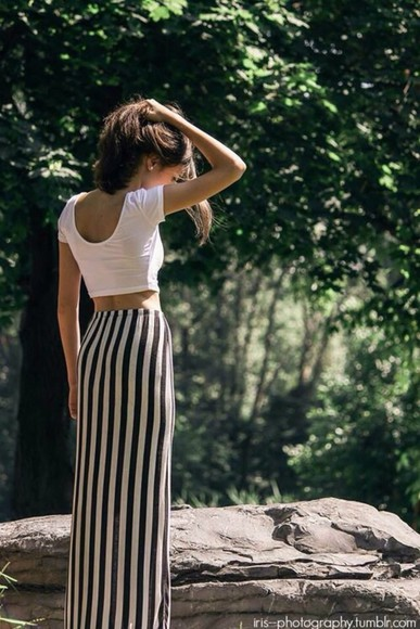 maxi skirt style stripes long black and white skirt skirt black and white stripes high heels flora jeans jewels summer dress floral t-shirt ariana grande