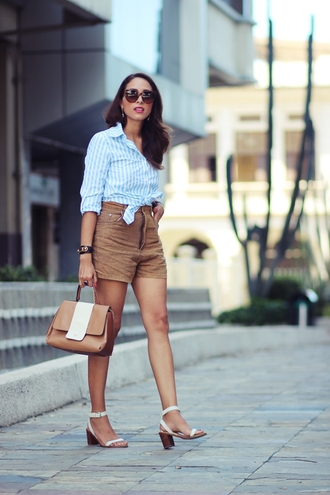 preppy fashionist blogger striped shirt high waisted shorts
