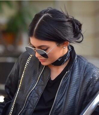 scarf jewelry choker necklace bandana bandana print kylie jenner kylie jenner jewelry kardashians keeping up with the kardashians celebrity style celebrity celebstyle for less