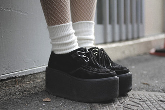 shoes creepers black suede lace up tripple soled creepers black grunge shoes platform shoes grunge shoes gothic lolita