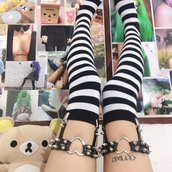 socks,knee high socks,stripes,kawaii,nu goth,pastek goth,harajuku,goth,ulzzang,japanese,black knee socks