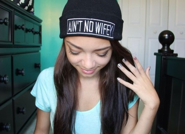 hat ain't no wifey black