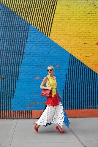 atlantic pacific blogger top skirt shoes sunglasses