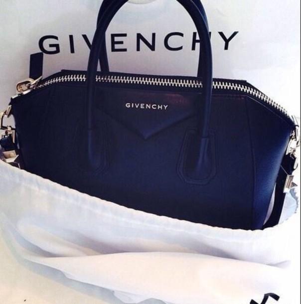 Black purses