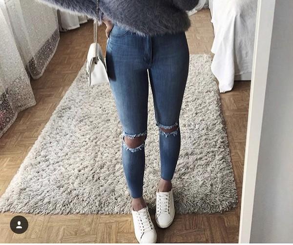 b2a75c10e1d01b jeans blue jeen shirt blue jeans pants ripped jeans ripped jeans grey grey  shirt fuzzy shirt