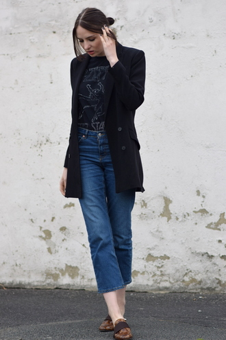 shot from the street blogger jeans black t-shirt pea coat