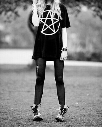 skirt black dark t-shirt emo goth gothic shoes jewels tights