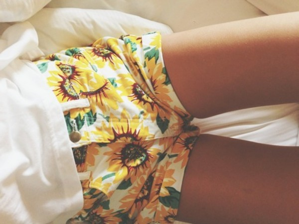 shorts sunflower white green yellow ebonylace.storenvy ebonylace.storenvy ebonylace-streetfashion sunflower tumblr flowers sunflower shorts High waisted shorts flowered shorts print pattern printed shorts summer cute clothes summer outfits yellow shorts