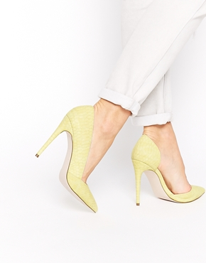 Cannery yellow pumps