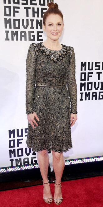 dress julianne moore gown