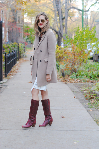 see jane blogger cowboy boots boots checkered sunglasses