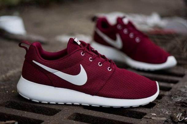 shoes nike roshe run burgundy nike low top sneakers burgundy shoes nike running shoes
