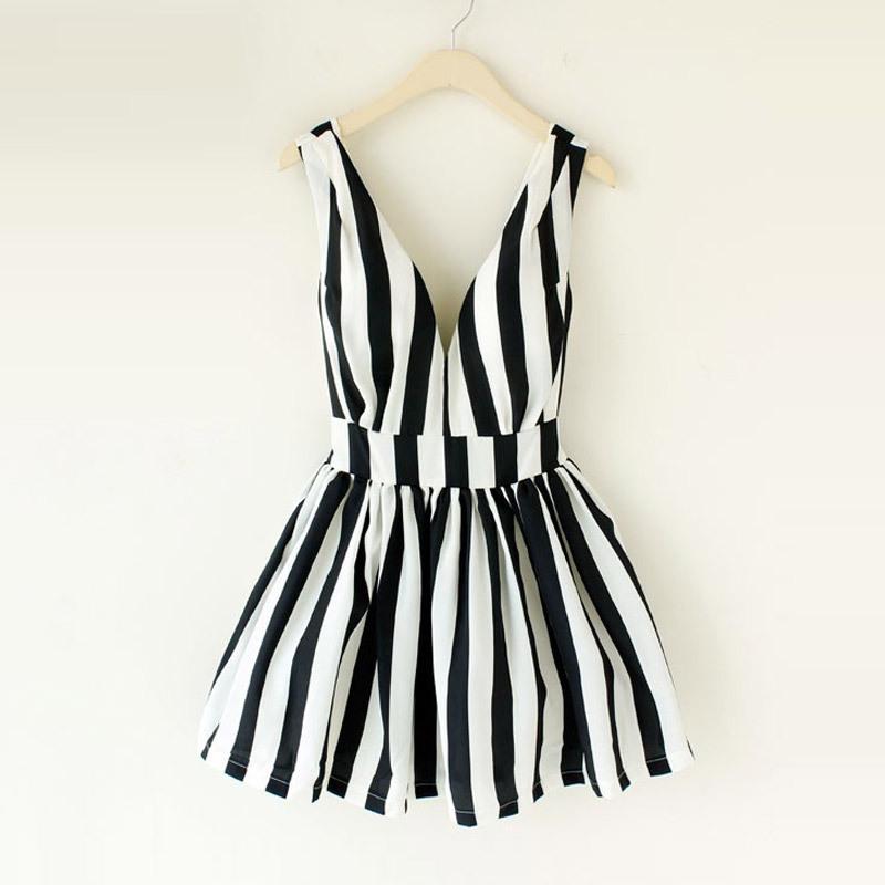 House woman home Hepburn retro fresh striped tie chest deep V booster back heart skirt dress tutu L228-ZZKKO