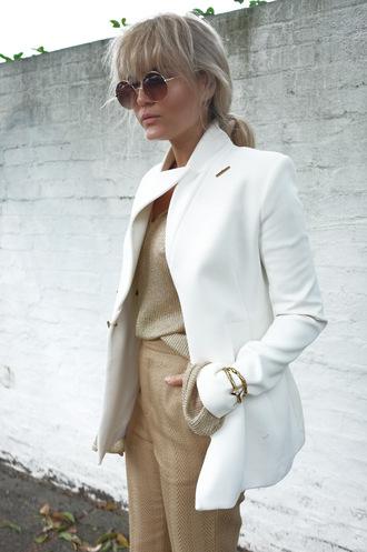 brooke testoni blogger pants white blazer beige pants round sunglasses wool jacket