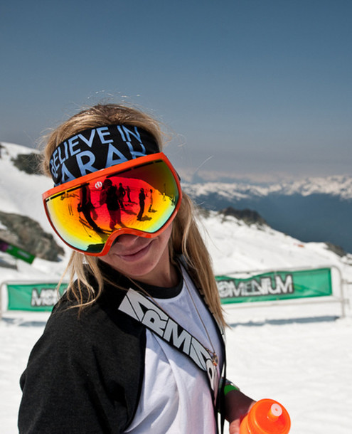 Blonde Snowboarding 43