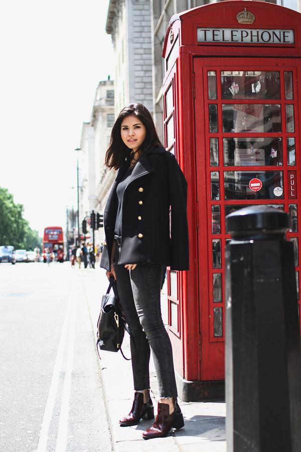 fake leather coat shoes jeans jewels belt