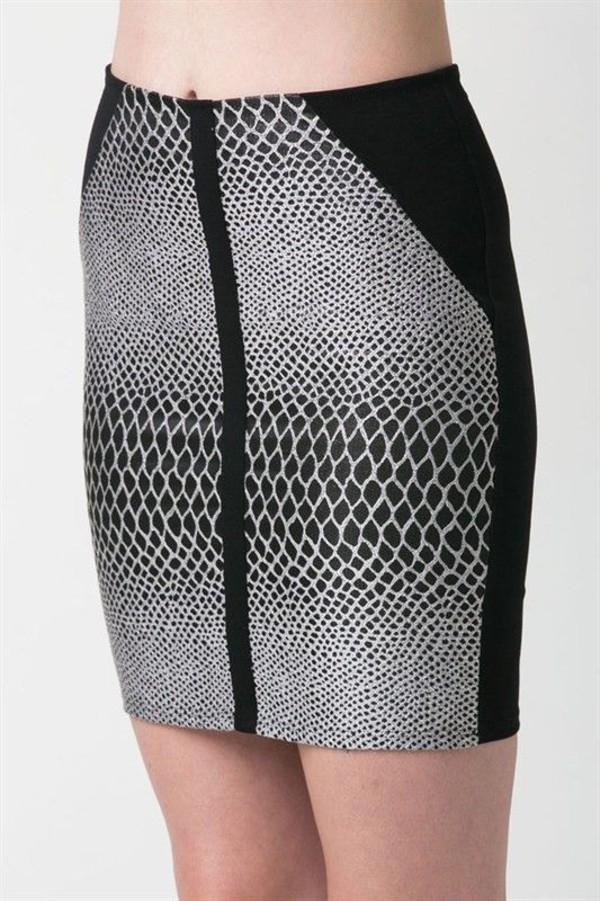 skirt mini skirt print mini skirt black and white skirt black and white mini zahara skirt jacquard skirt form fitting skirt www.ustrendy.com