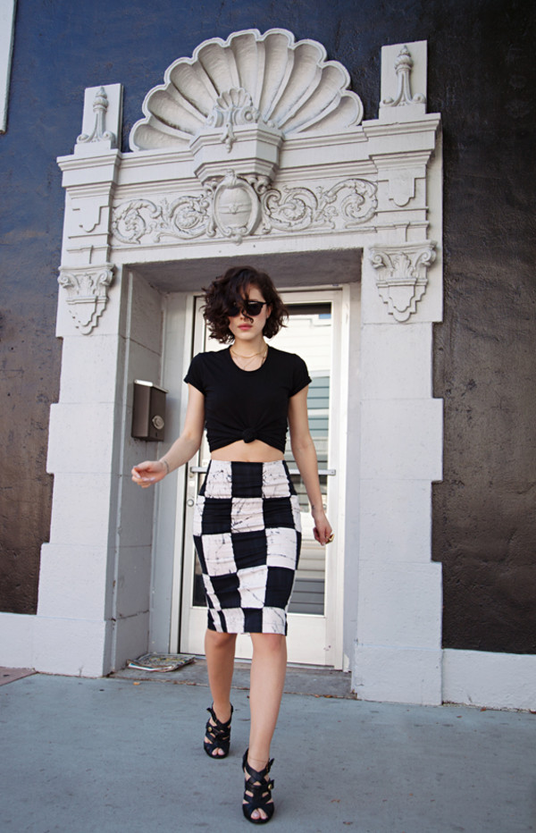 karla's closet t-shirt skirt sunglasses jewels shoes