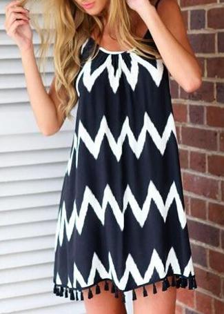 Zigzag Print Backless Dress Disheefashion