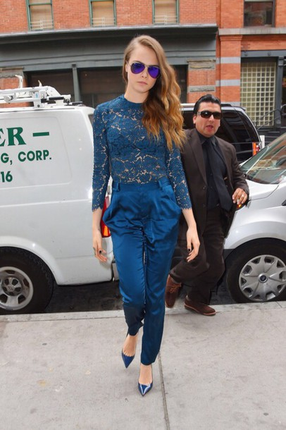pants All blue outfit blue pants high waisted pants top blue top lace top pointed toe pumps pumps blue pumps sunglasses mirrored sunglasses aviator sunglasses cara delevingne celebrity All navy blue outfit