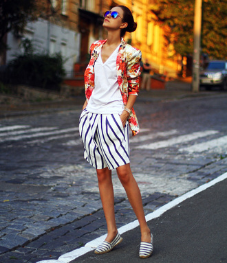 jacket white shirt white striped shirts striped loafers floral print blazer blogger sunglasses