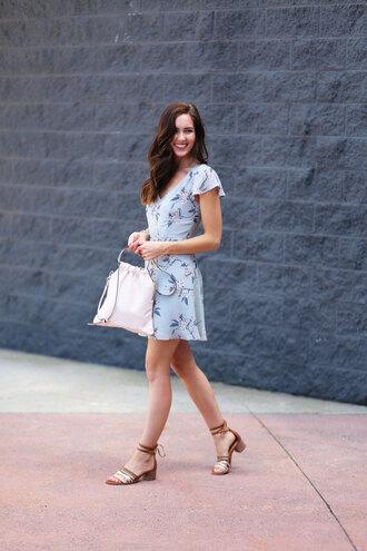 dress open back dresses sexy dress sandals floral dress flare dress mini dress blogger blogger style open back date outfit handbag