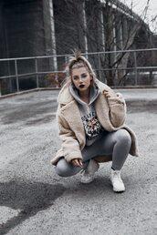 coat,tumblr,fuzzy coat,beige coat,beige fluffy coat,hoodie,grey hoodie,leggings,grey leggings,sneakers,white sneakers