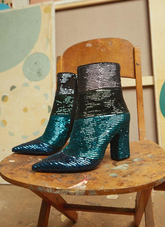 precio competitivo 5725c 20b25 shoes available on uterque.com