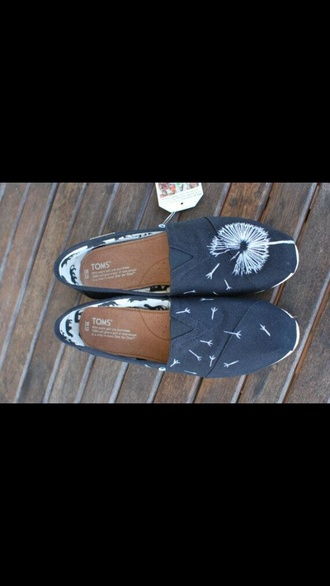 shoes toms flowers dandelion