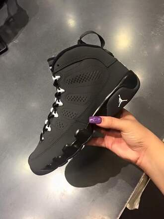 shoes black jordans