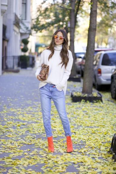 bag orange snake print jewels blogger jeans sunglasses something navy boots turtleneck