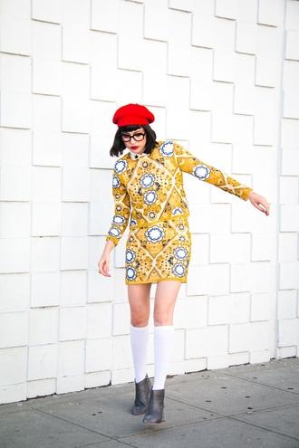 a fashion nerd blogger skirt top shoes sunglasses jewels