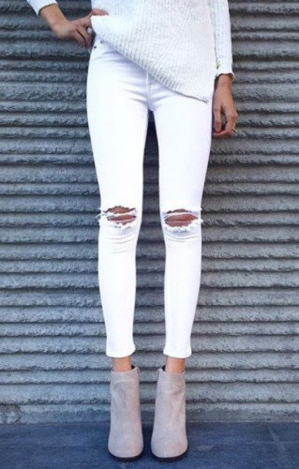 High waisted white cropped jeans